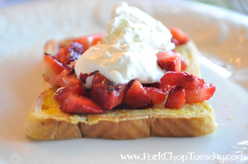 French Toast with strawberries and cream 1