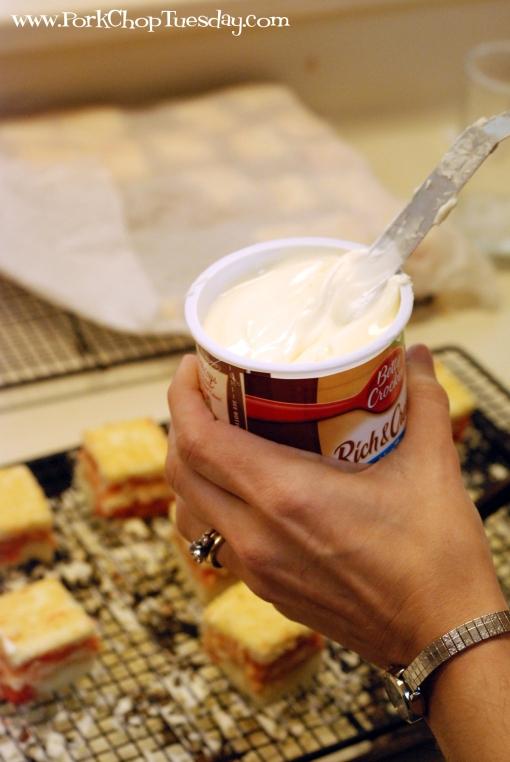 stir the frosting