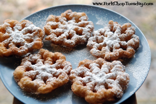 Rosettes with Powdered Sugar