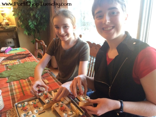 Thanksgiving crafters