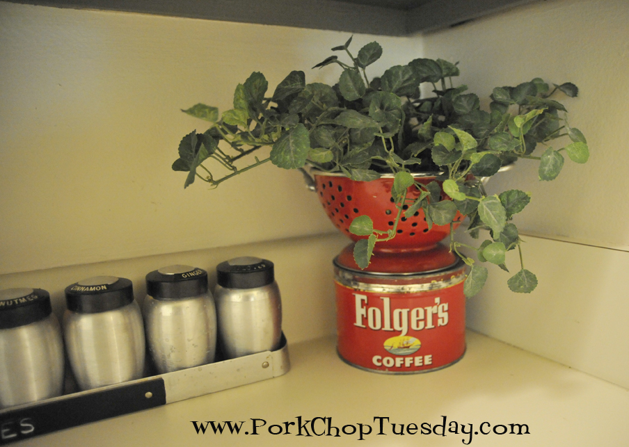 vintage folgers can