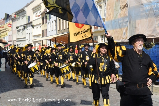 black-and-gold-parade-band